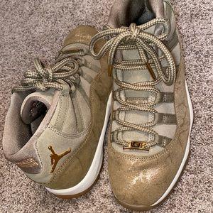 Women's Air Jordan 11 Retro Olive Lux Sneakers